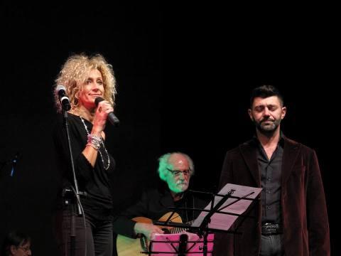 Stefano e Michaela, alla chitarra Sergio Farina